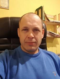 Володимир Кучерявий